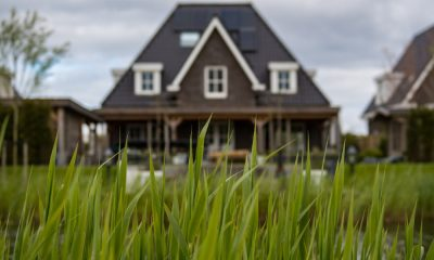 pending home sales contract signings