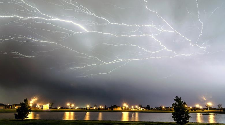 lightning strikes freak storm june 29, 2012