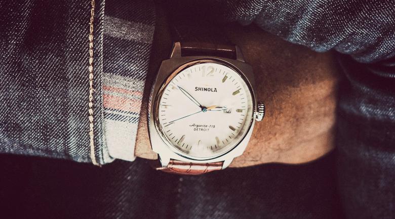 shinola watch vs smartwatches