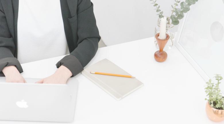 working desk laptop