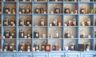 organizing decluttering
