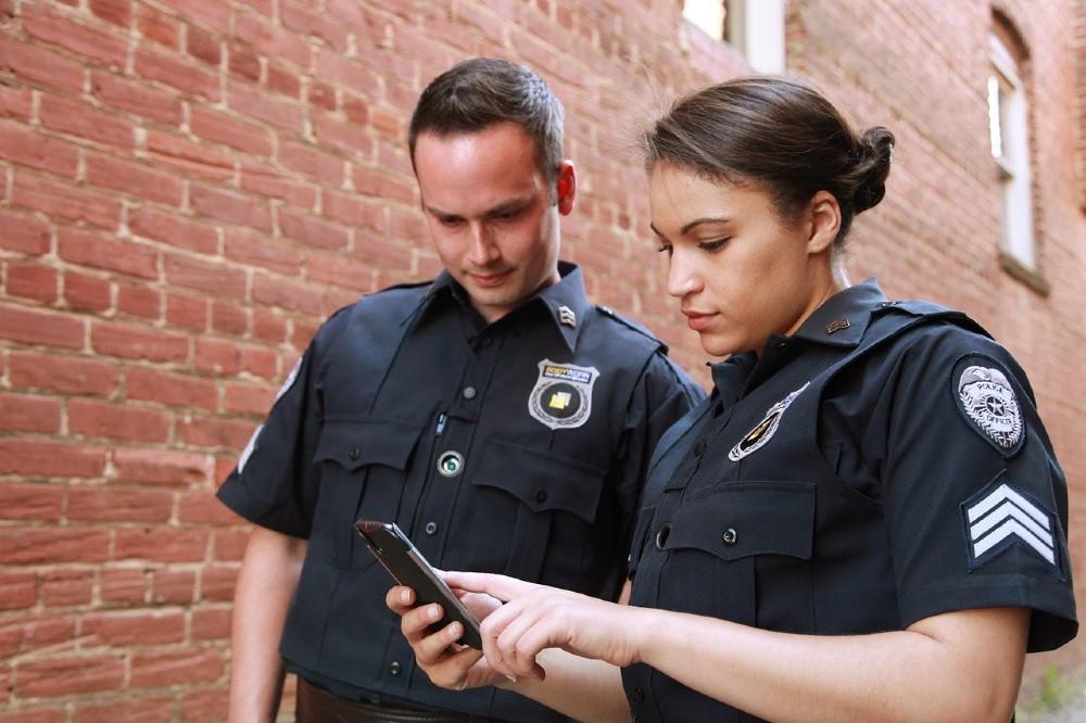 law enforcement warrant phone